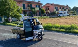 Urbisaglia, scontro tra Ape car e auto: 16enne trasportato a Torrette in eliambulanza (FOTO)