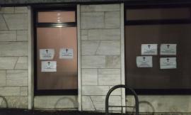 Morti aspettando la cassa integrazione: necrologi shock di CasaPound davanti alle sedi INPS