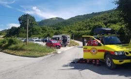 Fiastra, finisce con la bici contro un albero: 48enne trasportata all'ospedale di Camerino