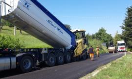 """""""Abbadia di Fiastra - Mogliano"""", al via i lavori di asfaltatura lungo la strada provinciale"""