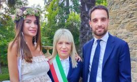 San Severino, dribblati fotografi e fans: nozze all'alba per Jack Bonaventura e Federica Ziliani