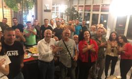 Macerata, Narciso Ricotta a cena con la comunità albanese: foto e sorrisi con la candidata Ariana Hoxha