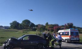 """Carambola tra 4 auto lungo la """"Carrareccia"""": grave un uomo, trasportato a Torrette (FOTO e VIDEO)"""