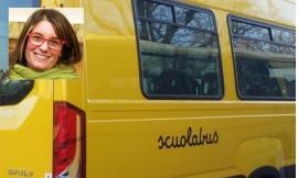 Pollenza, studenti senza mascherina sullo scuolabus: il Comune fa salire a bordo la Polizia Locale