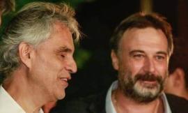 Sarnano, 250 mascherine donate al Comune: la generosità dell'Andrea Bocelli Foundation