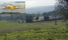 Morrovalle, incidente sul lavoro all'interno di un capannone: uomo trasportato in codice rosso a Torrette