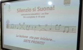 """Gagliole, """"Silenzio si suona!"""": gli alunni della scuola primaria si trasformano in piccoli musicisti"""
