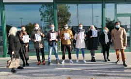 """Retail Park Montecassiano, la protesta: """"Per quale criterio noi siamo chiusi e altri sono aperti?"""" (VIDEO)"""
