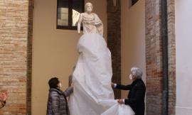 Macerata, restaurate le statue del Palazzo comunale: il sindaco ringrazia i mecenati