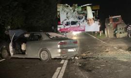 Pieve Torina, incidente tra auto e trattore: noto ristoratore in gravi condizioni (FOTO)