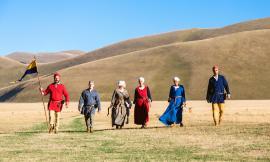 Da Castelluccio fino a Visso: gli arcieri storici protagonisti in un video girato sui Monti Sibillini
