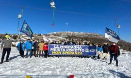 """Fratelli d'Italia manifesta sulla neve di Bolognola: """"La montagna merita rispetto, non Speranza"""""""