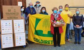San Severino, la solidarietà della Coldiretti bussa alla porta della casa di riposo: donati pacchi di Pasqua