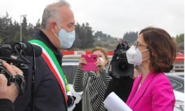 """Civitanova, plauso del Ministro Gelmini al centro vaccinale: """"un esempio"""" (FOTO)"""