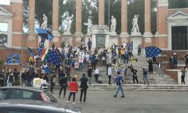 Lo scudetto dell'Inter tinge Macerata di neroazzurro: esplode la festa nelle strade (FOTO)