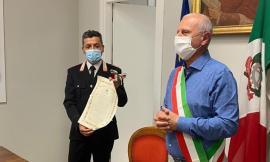 Caldarola, ha salvato un anziano dal fuoco: attestato di gratitudine per il luogotenente Tosti