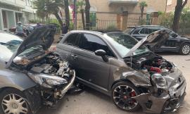 Civitanova, scontro all'incrocio tra due auto: due feriti al Pronto Soccorso (FOTO)