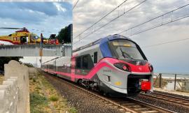 Porto Potenza, urtato dal treno mentre attraversa i binari: soccorso in eliambulanza (FOTO)