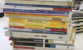 Macerata, fornitura gratuita dei libri di testo: ecco i beneficiari e come presentare domanda