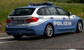 Tolentino, allarme in superstrada: uomo si accascia sul volante, era ubriaco fradicio