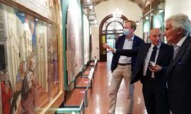 """L'ambasciatore d'Austria in visita a Camerino: """"Colpito dalla bellezza della città nonostante le ferite del sisma"""""""