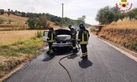 Tolentino, auto a gasolio va in fiamme: il conducente chiama i soccorsi