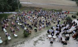 Apiro, il corpo bandistico omaggia i grandi cantautori: concerto all'Abbazia di Sant'Urbano