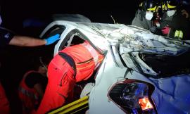 Pollenza, fa un volo di 15 metri con l'auto: grave una donna, trasferita a Torrette (FOTO)
