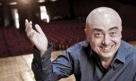Paolo Cevoli one man show a Montelupone: un venerdì sera all'insegna delle risate
