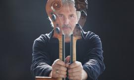 Il violoncellista Mario Brunello torna a San Ginesio: concerto gratuito al chiostro di Sant'Agostino