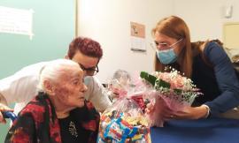 Potenza Picena, nonna Gilda spegne 102 candeline alla casa di riposo