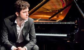Tolentino, il talentuoso pianista Nicola Losito in concerto al Politeama sulle note di Beethoven e Liszt
