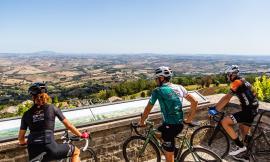 250 km e 5 mila metri di dislivelllo: prende il via da Porto Recanati la Granfondo Nibali