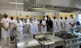 Civitanova, al via il corso per diventare pizzaioli professionisti per 18 allievi