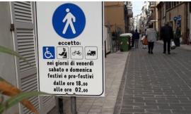 Civitanova, scatta l'isola pedonale serale nel borgo marinaro: nuove aree sosta per residenti