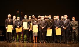 Macerata, 13 nuovi cavalieri e 3 ufficiali: consegnate le onorificenze ai militari che si sono contraddistinti