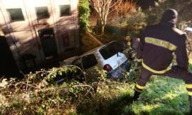 Porto Recanati: sbanda con l'auto e finisce in un fosso