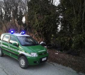 Cingoli, rimuove i sigilli alla discarica abusiva e aggredisce i Forestali: carabiniere all'Ospedale