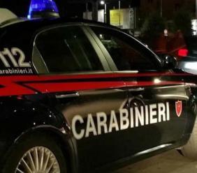 San Ginesio, ubriaco molesta gli avventori di un locale e minaccia i carabinieri: denunciato