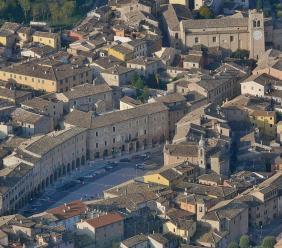 """San Severino,  """"A passeggio per la città. Un racconto a puntate"""": dal primo Aprile in onda su Facebook"""