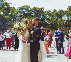 Fiori d'arancio a Tolentino: Alessandra e Francesco coronano il loro sogno d'amore