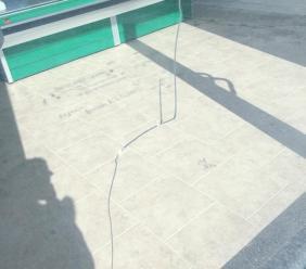 La società agricola Lai riapre a Passo San Ginesio. Ma i vandali intanto spaccano la vetrina dei nuovi locali