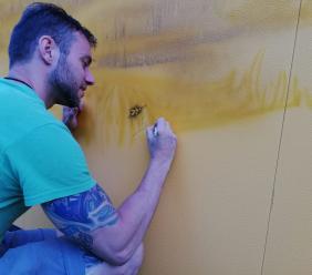 """Un murales per Monte Cavallo: l'artista Diego Mandolino """"tatua"""" la Sae"""