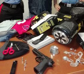"Caldarola: scacco al ""trio delle spaccate"". I Carabinieri trovano anche una pistola"