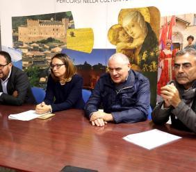 Un concorso di idee per riqualificare piazzale Leopardi e il centro Pluriuso di Loro Piceno - FOTO