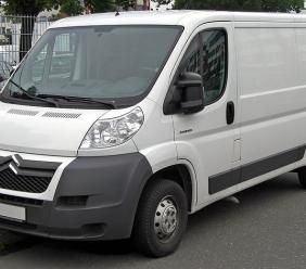 Servizi di noleggio: aumentano le ricerche online per i furgoni