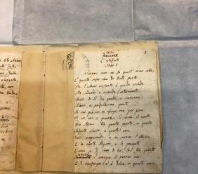 """Il manoscritto de """"L'Infinito"""" di Giacomo Leopardi torna a Recanati dopo 120 anni"""