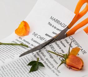 Assegno di mantenimento: se il beneficiario costituisce una famiglia di fatto perde il diritto.
