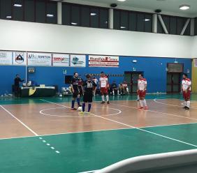 Calcio a 5: il Borgorosso Tolentino sempre in testa in Serie D. Pesante KO invece per il CSI