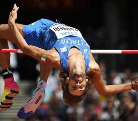 Atletica. Tamberi supera 2.32 nel salto in alto: seconda prestazione mondiale (VIDEO)